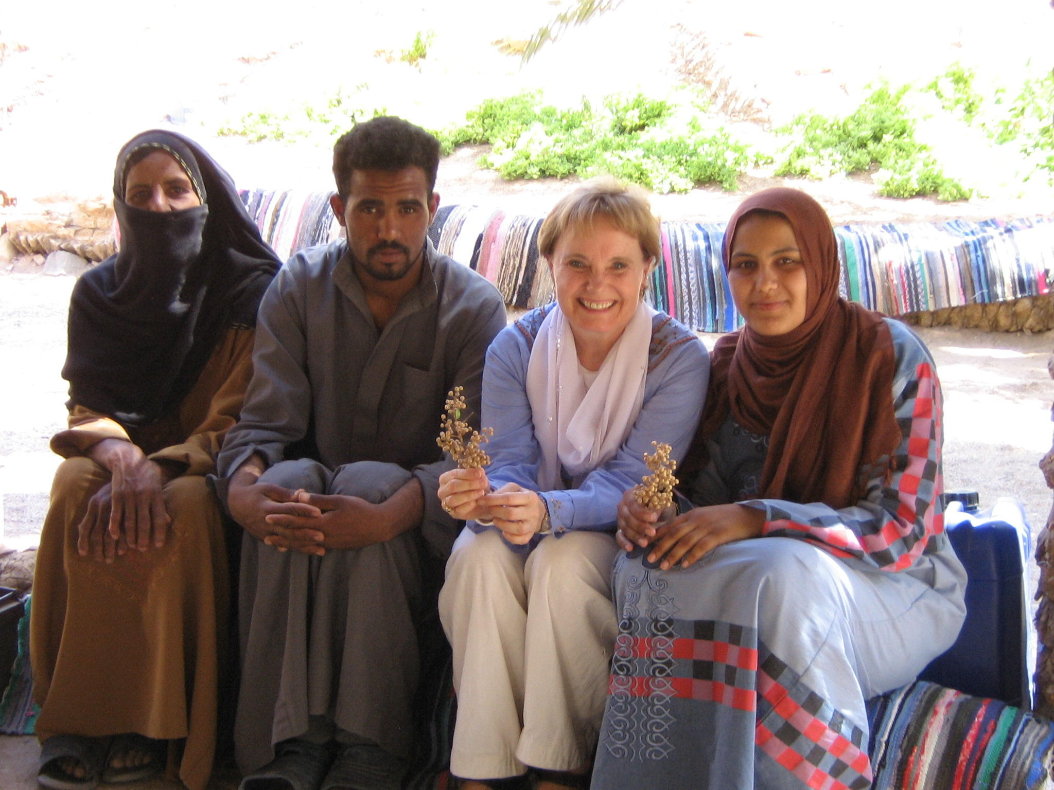 blog-dr-browning-with-bedouin-in-the-sinai-desert