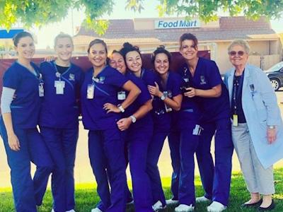 Chamberlain nursing student, Bonnie Metzger with nursing school classmates